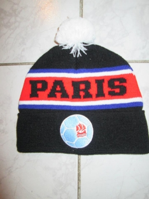Bonnet pompon Paris